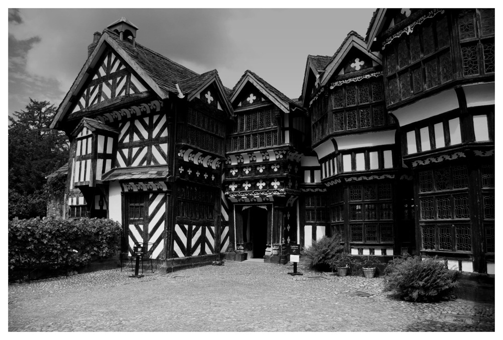 photoblog image Little Moreton Hall 2