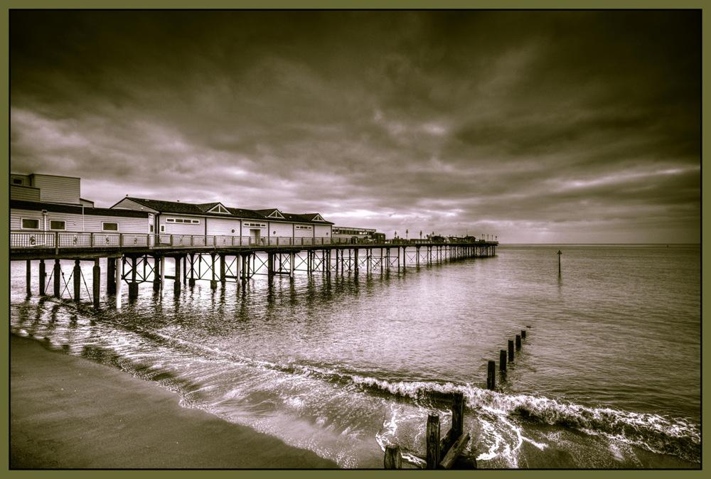 photoblog image Teignmouth Pier... Hommage